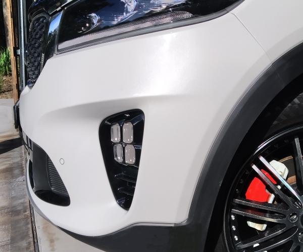 White Pearl, Kia Sorento Bumper Scrape Repair, Multi-layer
